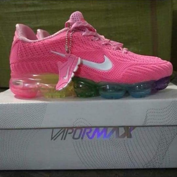 timeless design 8365b 5b44a Women nike pink vapormax gym shoe NWT